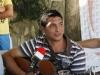 Natanael y su inseparable guitarra.
