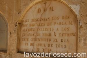 Lápida del primer enterramiento en 1849.