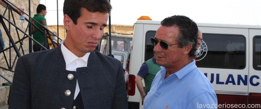 José María Manzanares, junto a su hijo Manuel Manzanares en 2011 en Rioseco.
