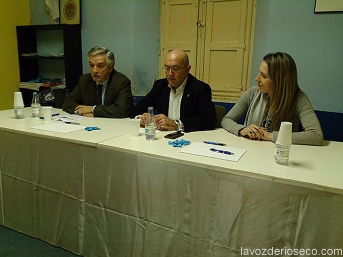 Artemio Domínguez y Jesús Julio Carnero, en la Junta Local de PP.