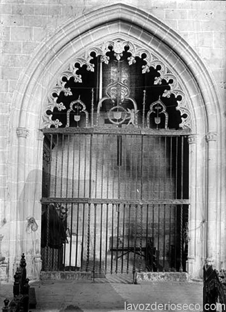 Capilla de los Palacios con las imágenes del paso procesional. Foto realizada en 1911.