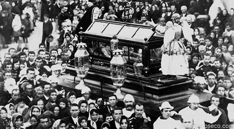 Aspecto que tenía el paso del Santo Sepulcro en 1901.