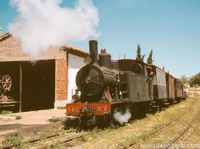 El tren partiendo de Rioseco. Años 60.