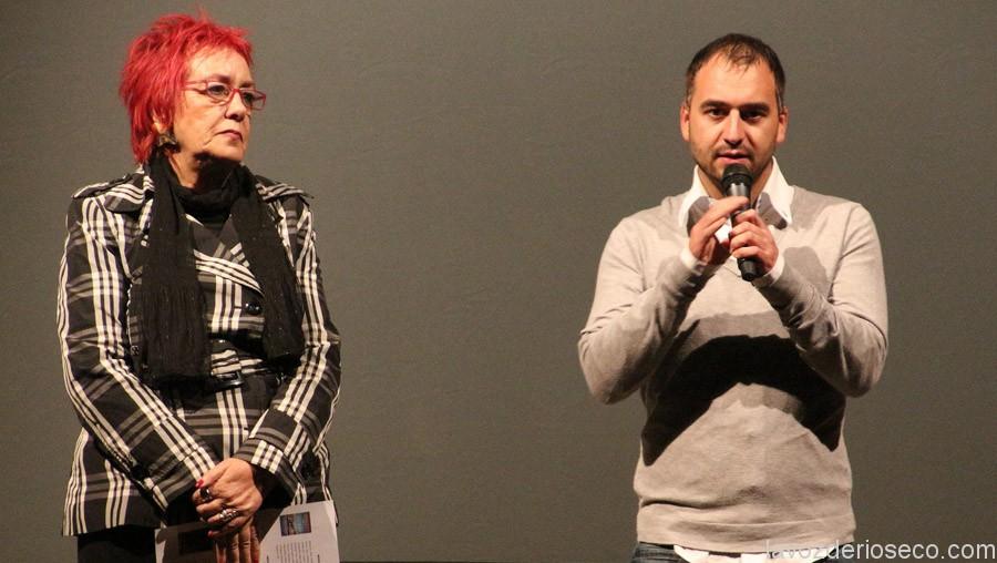 Isabel Blanco y Sergio Pérez presentan la sesión de cortometrajes.