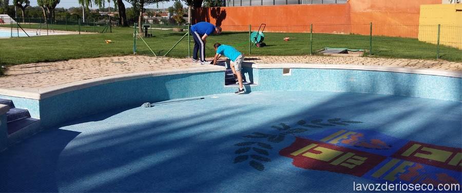 Las piscinas de verano se preparan para su apertura el 27 for Se hacen piscinas
